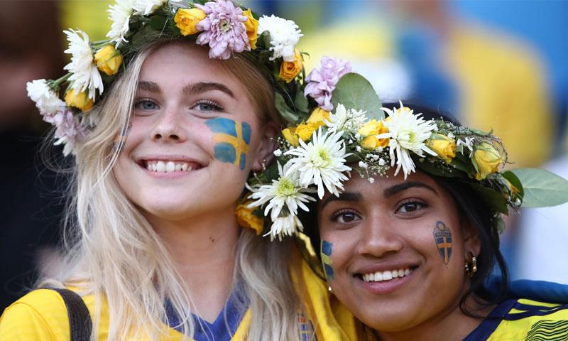 مشجعات في كأس العالم لكرة القدم للسيدات 2019 (Getty)
