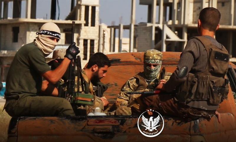 عناصر من الجبهة الوطنية للتحرير على جبهات ريف حماة - (الجبهة الوطنية)