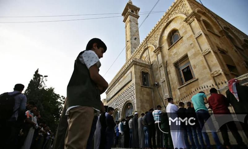 صلاة العيد في مسجد معرة النعمان الأموي (مركز المعرة الإعلامي)