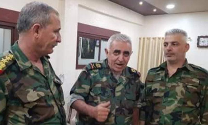 اللواء جميل حسن مع العميد في قوات النمر صالح العبد الله - 21 من حزيران 2019 (شبكة أخبار حماة)