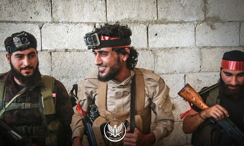 عناصر من الجبهة الوطنية للتحرير قبل التوجه لمعركة ريف حماة الشمالي - 6 من حزيران 2019 (الجبهة الوطنية للتحرير)