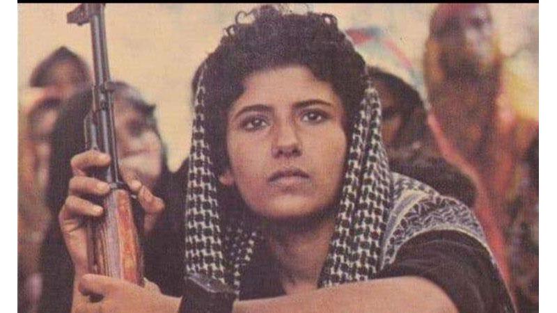 مقاتلة عمانية في ثورة ظفار (إنترنت)