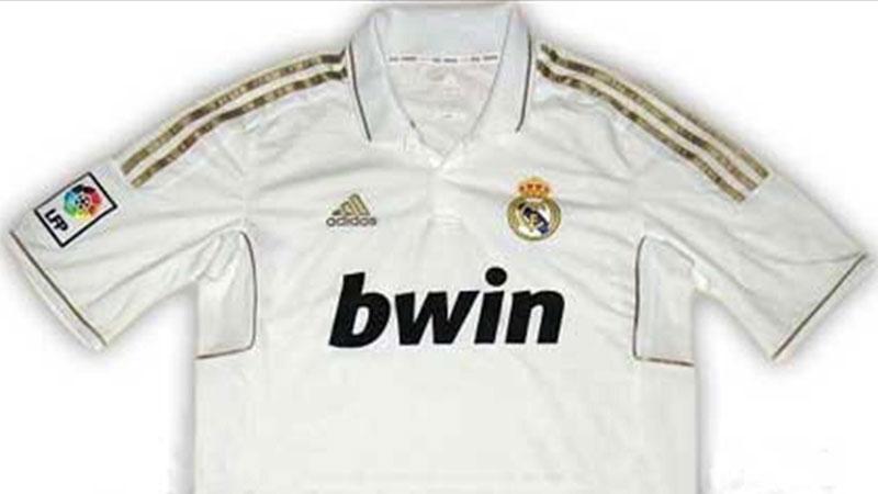 قميص ريال مدريد لموسم 2011 - 2012 (يورو سبورت عربية)