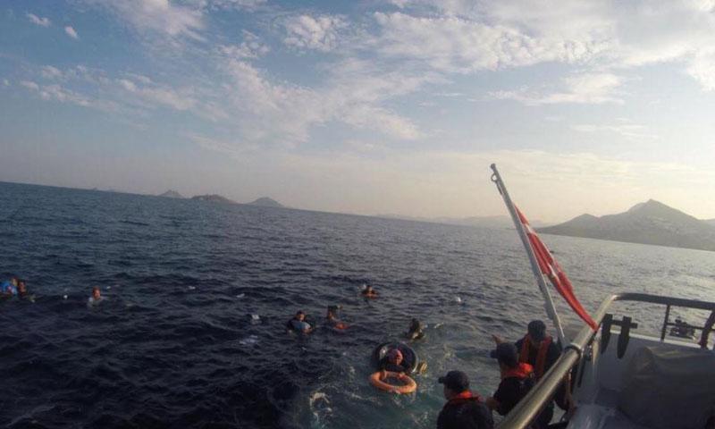 عملية إنقاذ مهاجرين قبالة سواحل بودروم التركية- 17 حزيران 2019 (دوغان)