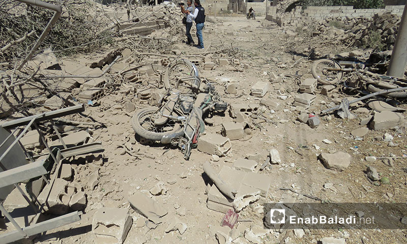آثار القصف الجوي للطيران السوري والروسي على المنازل السكنية في بلدة جبالا بريف إدلب الجنوبي 21 تموز 2019 (عنب بلدي)