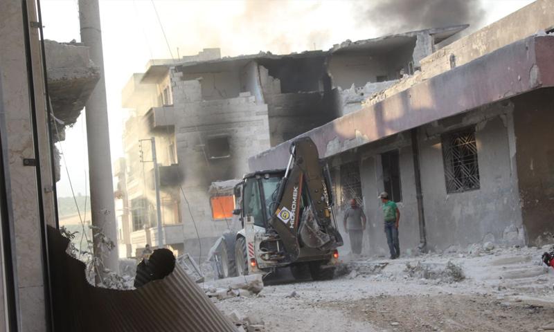 آثار القصف الجوي على جسر الشغور بريف إدلب الغربي - 18 من تموز 2019 (الدفاع المدني)