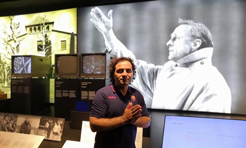 السوري بكري كويفاتي مدربًا لحراس الفئات السنية في نادي برشلونة (بكري كويفاتي فيس بوك)