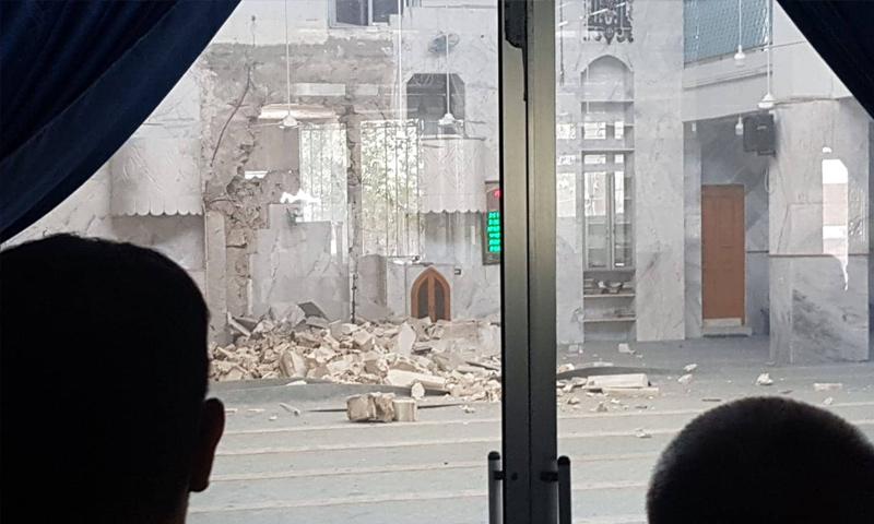 آثار الدمار الذي خلفته الدراجة المففخة بمسجد عمر بن الخطاب في الباب بريف حلب الشرقي - 3 من تموز 2019 (ناشطون عبر فيس بوك)