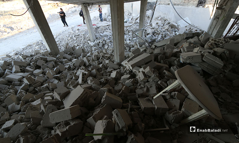آثار قصف طيران النظام على بلدة محمبل غربي إدلب - 6 من تموز 2019 (عنب بلدي)