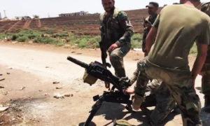 """عناصر تابعة لـ """"ٌقوات النمر"""" تستخدم قاذفة قنابل روسية في معارك ريف حماة الشمالي (OLEG BLOKHEN)"""