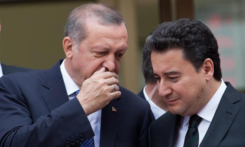 علي باباجان مع الرئيس التركي رجب طيب أردوغان - (الأناضول)