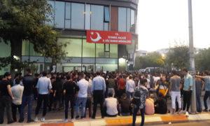 توافد السوريين على دائرة الهجرة في منطقة السلطان بيلي في اسطنبول - 28 آب 2019 (عمر تركماني)