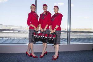 الزي الرسمي الجديد لمضيفي شركة الطيران التركية (جمهورييت)