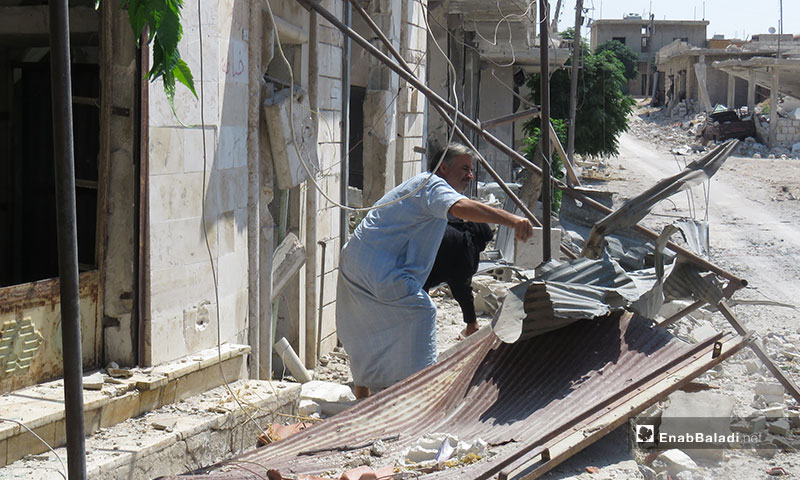 عودة نازحو ريف إدلب إلى قراهم بعد وقف إطلاق النار - 4 من آب 2019 (عنب بلدي)