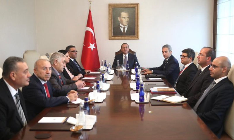وزير الخارجية التركي، مولود جاويش أوغلو، يلتقي وفدًا من الائتلاف السوري- 20 آب 2019 (الخارجية التركية في تويتر)