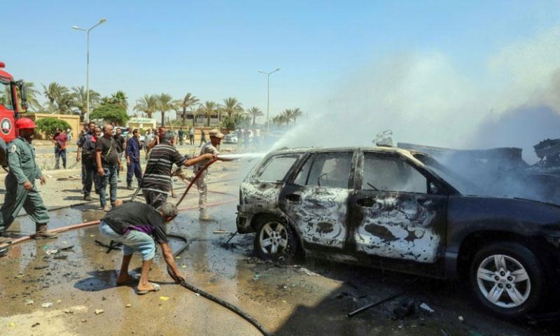 سيارة الأمم المتحدة التي تعرضت لتفجير في بنغازي - 10 آب 2019 (AFP)