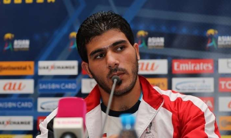 حارس مرمى المنتخب السوري إبراهيم العالمة في مؤتمر صحفي (AFP)