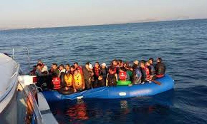 ضبط 80 مهاجرًا غير شرعي قبالة سواحل أزمير غربي تركيا( الصورة تعبيرية)