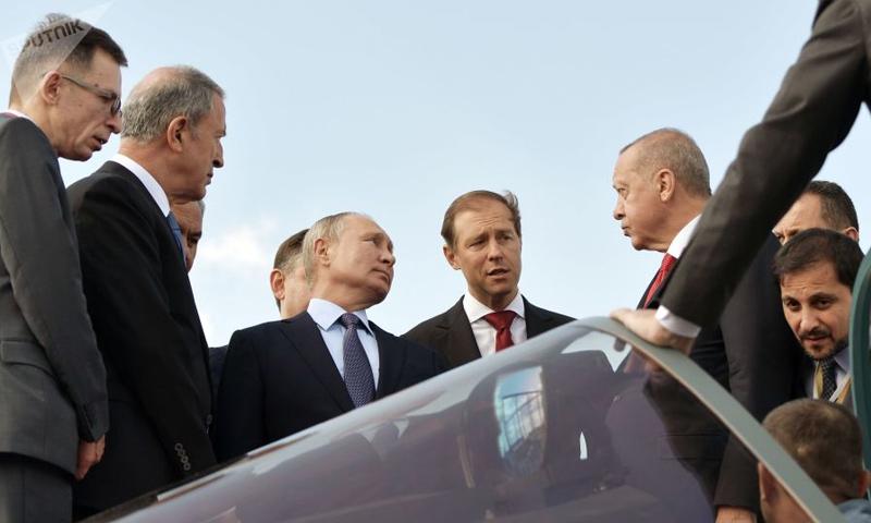 الرئيسان رجب طيب أردوغان وفلاديمير بوتين في لقاء بالعاصمة الروسية موسكو - 27 من آب 2019 (سبوتنيك)