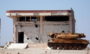 دبابة لقوات الأسد في مدينة مورك بريف حماة الشمالي- 24 من شباط 2019 (رويترز)