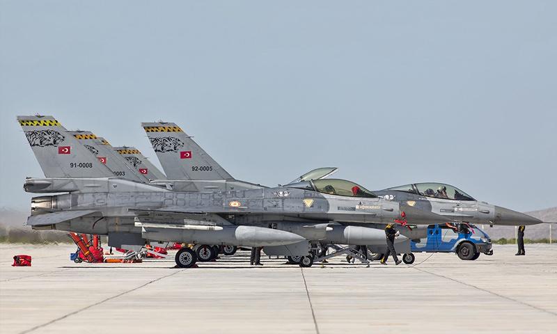 طائرات حربية تركية طراز F16 في قاعدة أنجرليك - (رويترز)