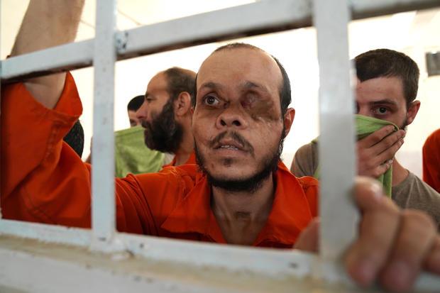 أسرى تنظيم الدولة الإسلامية لدى قوات سوريا الديمقراطية في شرق سوريا- 21 من أيلول 2019 (CBS)