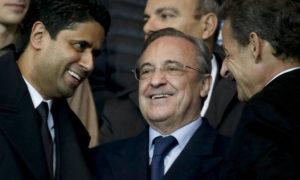 الرئيس الفرنسي السابق نيكولا ساركوزي- يمين- وفلورينتينو بيريز رئيس ريال مدريد الإسباني في المنتصف وناصر الخليفي رئيس باريس سان حيرمان- يسار 2015 (رويترز)