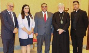 أنس العبدة في لقاء وزير خارجية الفاتيكان - (موقع الائتلاف السوري)