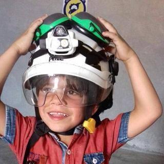 حمودة ابن المتطوعة في الدفاع المدني دلال الطاهر