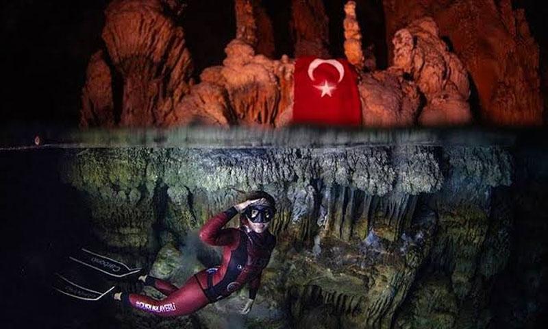 السباحة التركية شاهقة أرجومنت -28 تشرين الأول- ولاية مرسين جنوبي تركيا