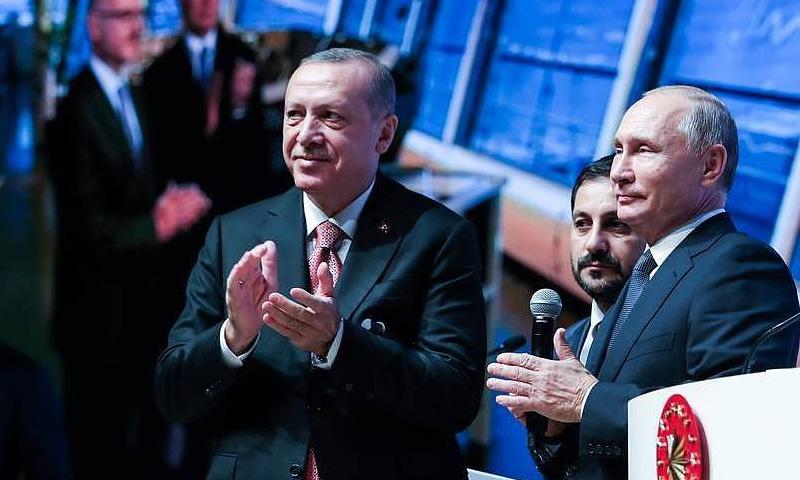 الرئيس التركي رجب طيب أردوغان في لقاء مع نظيره الروسي فلاديمير بوتين (تاس)