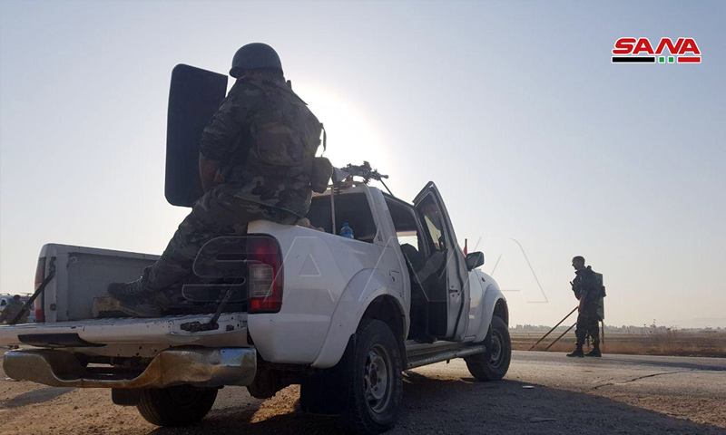 عناصر من قوات الأسد في بلدة تل تمر بريف الحسكة الشمالي الغربي - 14 من تشرين الأول 2019 (سانا)
