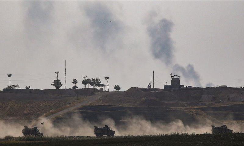 آليات تركية على الحدود التركية-السورية (الأناضول)