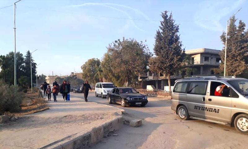 """الصور الأولى لنزوح أهالي مدينة تل ابيض مع بدء عملية """"نبع السلام"""" التركية - 9 تشرين الأول 2019 (SDF)"""