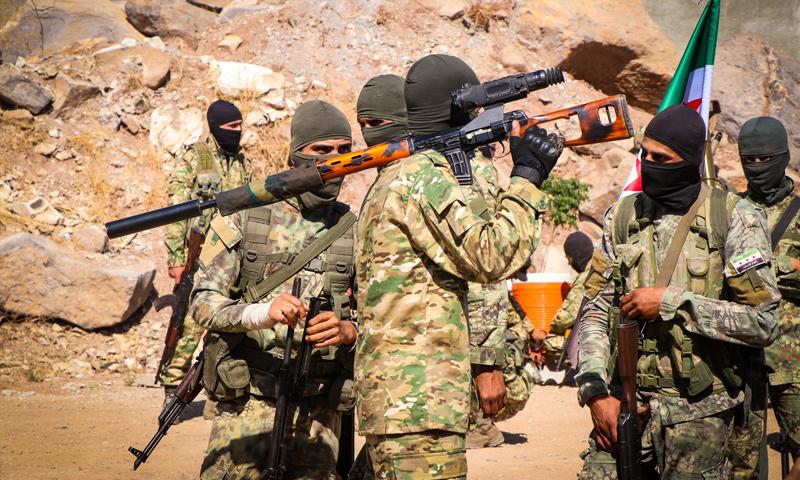 عناصر من الجيش الوطني في معسكر تدريبي في ريف حلب (المسؤول الإعلامي لتجمع أحرار الشرقية الحارث رباح)