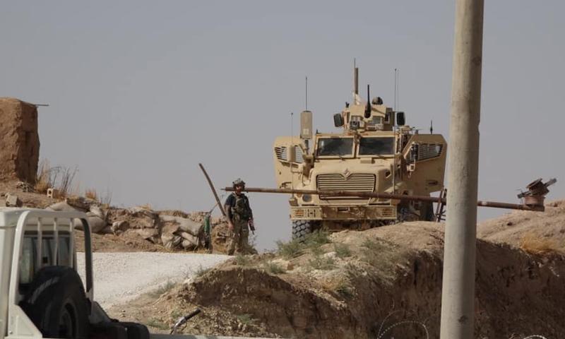 عربات تابعة للجيش الأمريكي في قاعدة تل أرقم في رأس العين شمالي سوريا - 7 من تشرين الأول - (الصحفي محمد حسن)