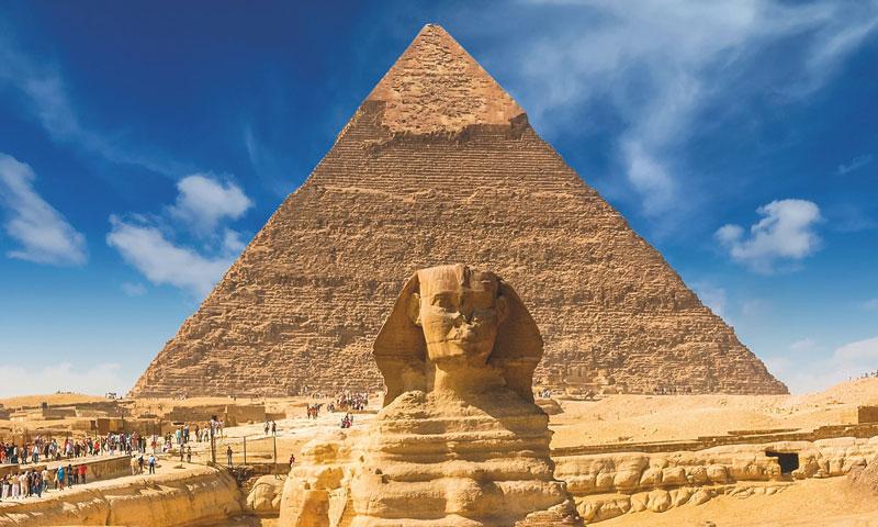 تمثال أبو الهول في منطقة الجيزة قرب العاصمة المصرية القاهرة (shutter stock)