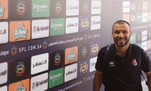 لاعب نادي الرائد السعودي واللاعب السوري جهاد الحسين في الدوري السعودي للمحترفين (sa3ody)