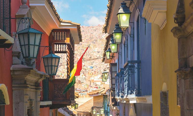 مدينة لا باز في بوليفيا (shutter stock)