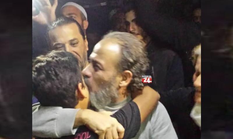 الناشط مهند شهاب الدين بعد وصوله إلى منزل قائد حركة رجال الكرامة - 7 من تشرين الأول 2019 (السويداء 24)