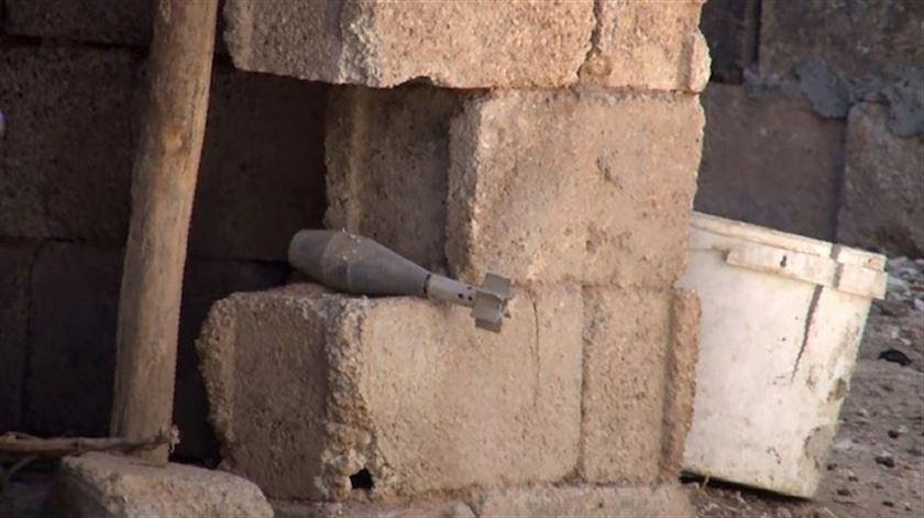 قذائف هاون أُطلقت من الجانب السوري على الأحياء السكنية في ولاية شانلي أورفا، 10 من تشرين الأول. (يني شفق)