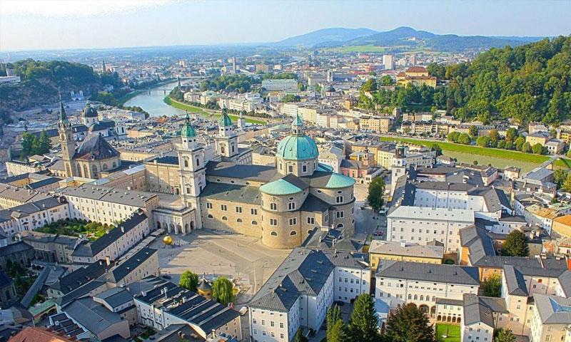 مدينة سالزبورغ في النمسا (موقع غراي لاين)