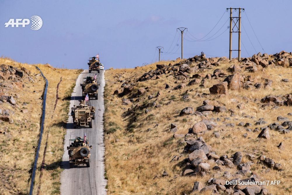 عربات أمريكية في محافظة الحسكة على الحدود مع تركيا - تشرين الثاني 2019 (AFP)
