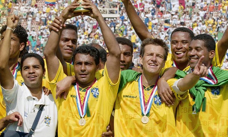منتخب البرازيل يتوج بكأس العالم عام 1994 (فيفا)