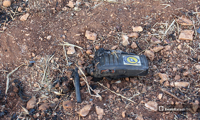آثار احتراق سيارة للدفاع المدني بسبب القصف الصاروخي في بلدة معرتحرمة جنوبي إدلب - 13 من تشرين الثاني 2019 (عنب بلدي)