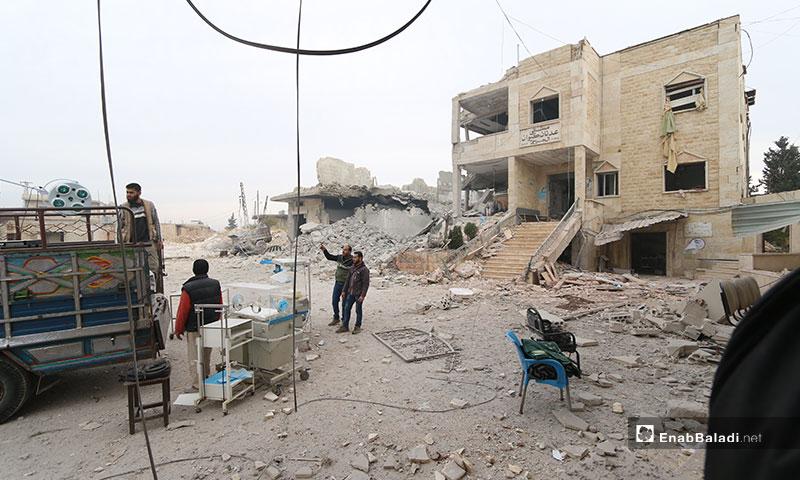 آثار قصف الطيران الحربي على مشفى كيوان في بلدة كنصفرة بريف إدلب الجنوبي - 25 من تشرين الثاني 2019 (عنب بلدي)