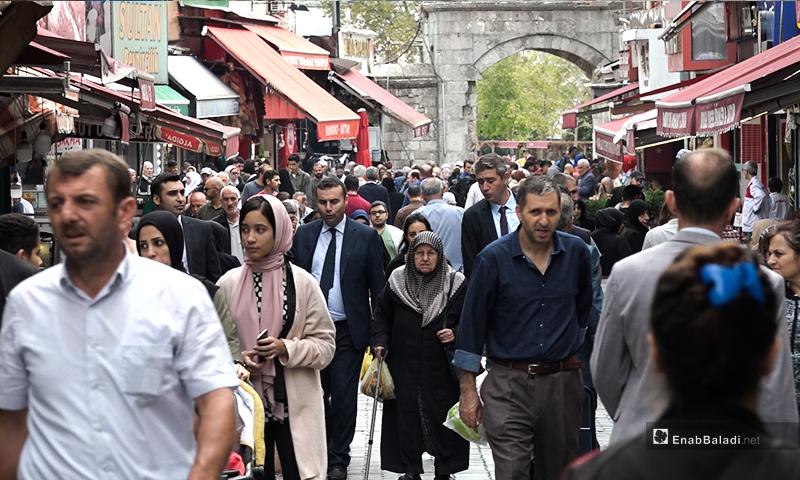 سوق مالطا في منطقة الفاتح في مدينة اسطنبول في تركيا - تشرين الثاني 2019 (عنب بلدي)