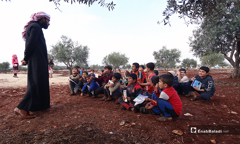 يستمر أطفال المخيم بحضور الدروس ما أمكن، لكن في حال لم يحصلوا على الدعم سيضطرون للتوقف، كحال 2.1 مليون طفل متسرب في سوريا