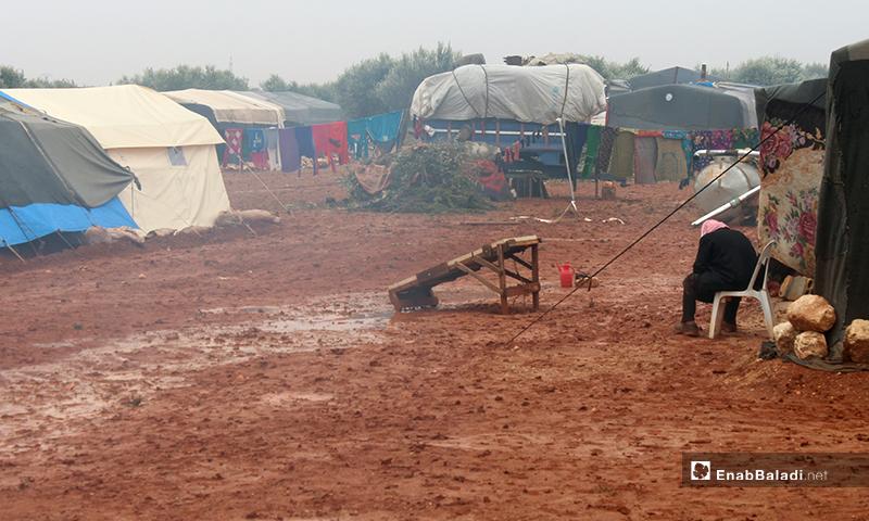 أوضاع إنسانية صعبة يعيشها النازحين في مخيم جب المي شمالي إدلب - 15 من كانون الأول 2019 (عنب بلدي)