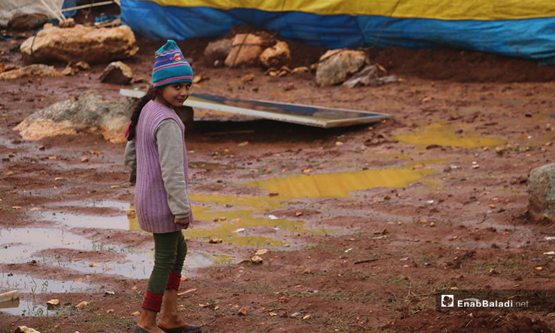 أوضاع إنسانية صعبة يعيشها النازحين في مخيم كفر عروق شمالي إدلب - 14 من كانون الأول 2019 (عنب بلدي)